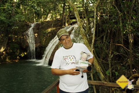 Luís e Jegueton e a Cachoeira do Salto. Imagem: Erik Pzado