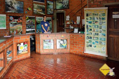 Recepção. Bonito Hostel, Bonito, MS. Imagem: Erik Pzado