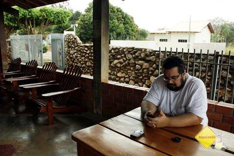 Erik no Bonito Hostel, Bonito, MS. Imagem: Janaína Calaça