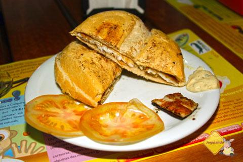 Cheese jacaré é um dos sanduíches mais vendidos pelo Vício da Gula. Imagem: Erik Pzado