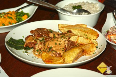 Boa comida e atendimento impecável são marcas da Casa do João. Bonito, MS. Imagem: Erik Pzado
