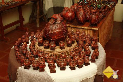 Peças de arte e artesanato são comercializados no Armazém do João para os visitantes. Imagem: Erik Pzado