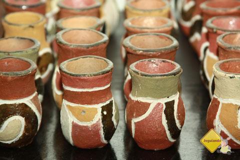 Artefatos indígenas também fazem parte do Armazém do João. Imagem: Erik Pzado