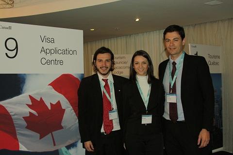 Representantes do VAC (Centro de Requerimento de Visto) falam sobre como ficou mais fácil solicitar o visto canadense. Imagem: Janaína Calaça