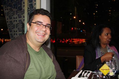 Erik e Ruby no F Bar, Montréal, Québec, Canadá. Imagem: Erik Pzado