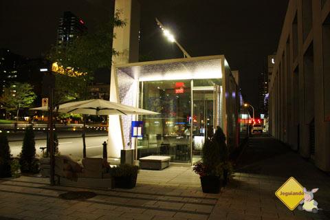 F Bar, Montréal, Québec, Canadá. Imagem: Erik Pzado