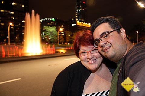 Jana Calaça e Erik Pzado em Place des Arts. Primeira noite em Montréal, Canadá. Imagem: Erik Pzado