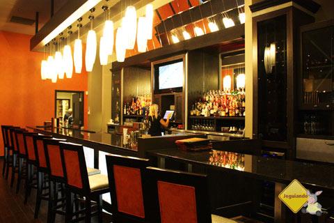 Lounge L1. Restaurante é localizado no interior do West Edmonton Mall. Edmonton, Alberta, Canadá. Imagem: Janaína Calaça