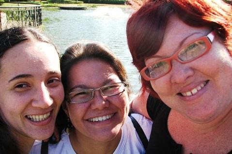 Nathy, Clara e Jana, aproveitando um roteirinho de um dia em São Roque, SP. Imagem: Jeguiando