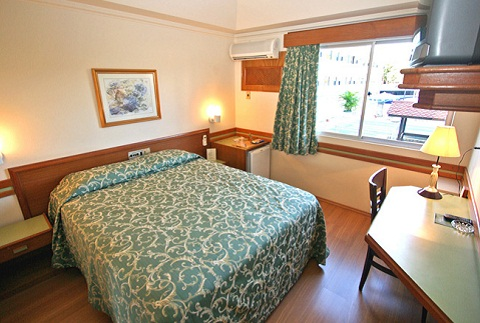Apartamento para casal. Hotel Bella Itália, Foz do Iguaçu, PR. Imagem: Divulgação Hotel Bella Itália