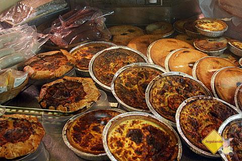 Quiches e tortas. Premiere Moisson, Marché Jean-Talon (Jean-Talon Market), Montréal, Canadá. Imagem: Erik Pzado