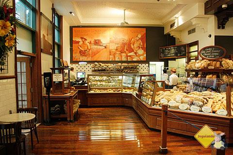 Premiere Moisson, a padaria localizada no Jean-Talon Market é ideal para começar bem o dia tomando um café da manhã em Montréal. Imagem: Erik Pzado