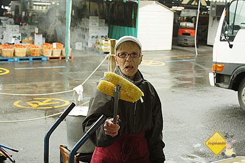 Vai um milho aí? Marché Jean-Talon (Jean-Talon Market), Montréal, Canadá. Imagem: Erik Pzado