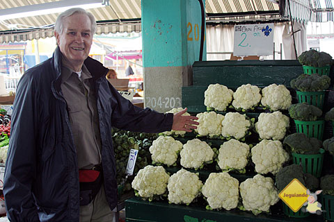 Doug English mostrando seu orgulho pelos produtos produzidos em seu país. Imagem: Erik Pzado
