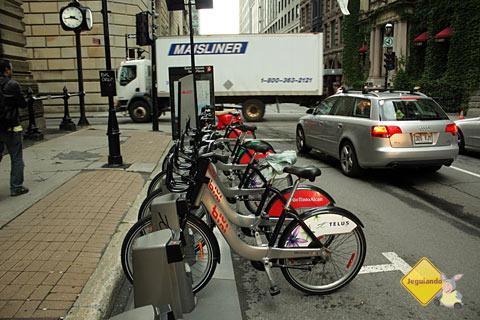 Habitantes de Montréal preferem realizar suas atividades cotidianas utilizando bicicletas, metrô ou fazendo caminhadas. O carro é sempre última opção. Imagem: Erik Pzado