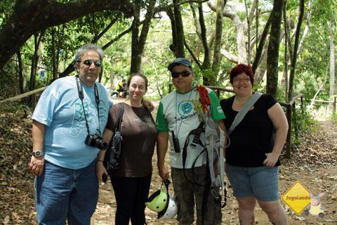João e Paula, do Viajando no Mundo, Sebastião e Jana Calaça. Imagem: Erik Pzado