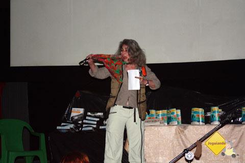 A atriz Neila Tavares foi uma das juradas do evento e a responsável por momentos de descontração no FATU. Imagem: Erik Pzado
