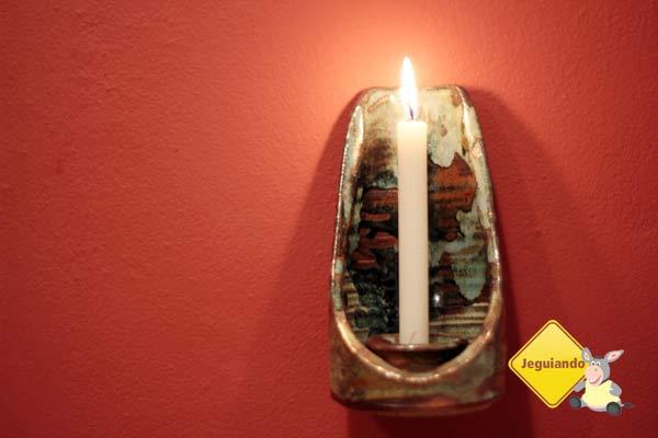 Detalhes de cerâmica compõem a decoração dos chalés. Pousada Barra do Bié, Cunha, São Paulo. Imagem: Erik Pzado