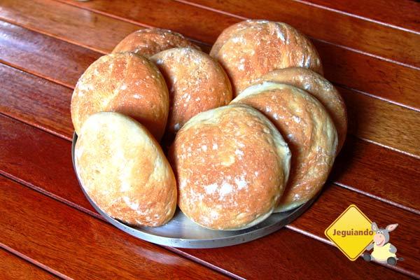 Pães artesanais, preparados pelo chef Ernani Tedeschi. Imagem: Erik Pzado