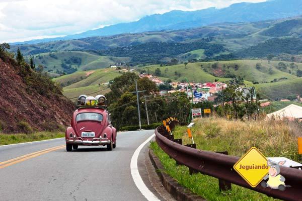 Rumo à Cunha, a terra da cerâmica, do pinhão e do fusca! Imagem: Janaína Calaça