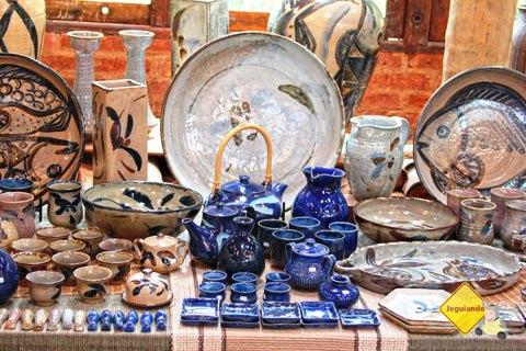Exposição de peças produzidas no Ateliê Suenaga e Jardineiro. Imagem: Erik Pzado