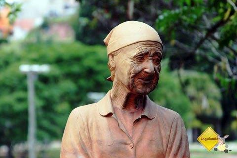 Busto de Dona Dita Paneleira, a última paneleira de Cunha, São Paulo. Imagem: Erik Pzado