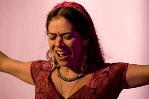 """Lila Downs em """"Fados"""" de Carlos Saura."""