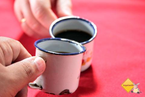 Brindando com cafézin! Tempero da Angela, Bichinho, Prados, MG. Imagem: Janaína Calaça
