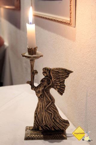 À luz de velas. Restaurante Spaguetti, Tiradentes, MG. Imagem: Erik Pzado
