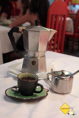 Cafeteira italiana. Restaurante Spaguetti, Tiradentes, MG. Imagem: Erik Pzado