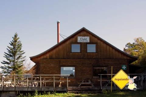 Chalet Alt.680m, dica de restaurante com uma bela vista do Mont Sutton. Imagem: Erik Pzado