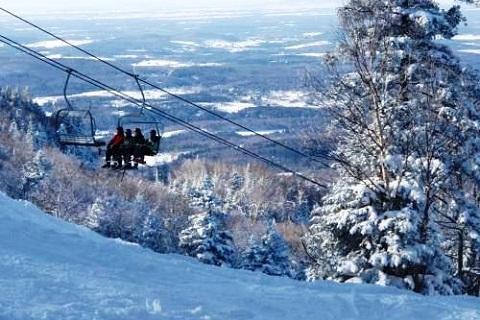 Mont Sutton no inverno. Eastern Townships, Canadá. Imagem: Divulgação Mont Sutton