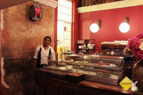 Atendimento atencioso da Karina. Café Geraes, Ouro Preto, MG. Imagem: Erik Pzado