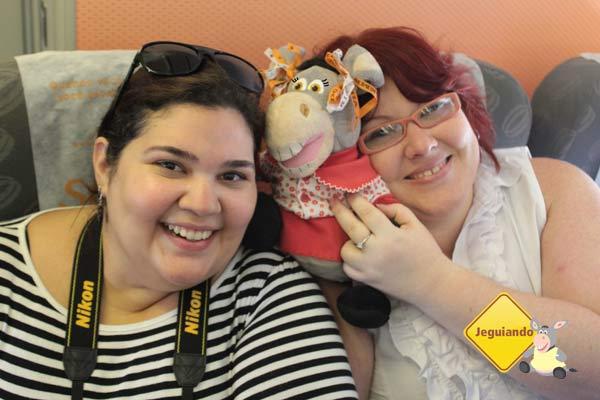 Raphaela Aretakis, do blog Raphanomundo, Jeguetina e Janaína Calaça, do blog Jeguiando. Imagem: Jeguiando