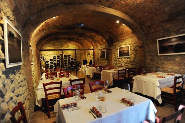 La Taverna, para amantes de gastronomia e vinhos. Imagem: Divulgação