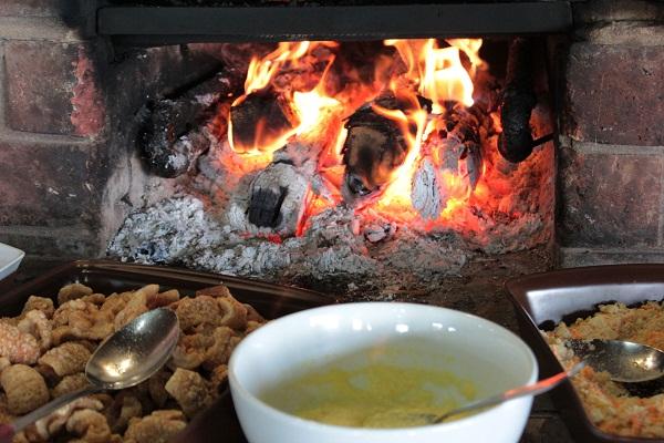 Fogão à lenha do Café com Prosa, Entre Rios de Minas, MG. Imagem: Janaína Calaça