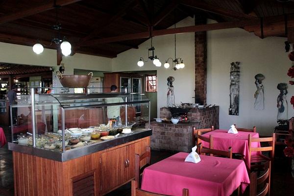 Café com Prosa, dica de parada entre Ouro Preto e São Paulo para almoçar. Imagem: Erik Pzado