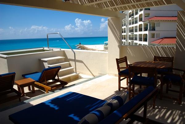 Uma das acomodações do Grand Park Royal Cancún Caribe, Cancún, México. Imagem: Arquivo Jeguiando