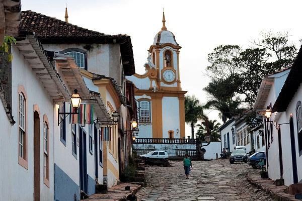 Igreja Matriz de Santo Antônio, vista da Rua do Chafariz. Tiradentes, MG. Imagem: Erik Pzado