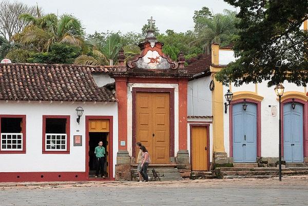 Largo das Forras, centro histórico de Tiradentes, MG. Imagem: Erik Pzado