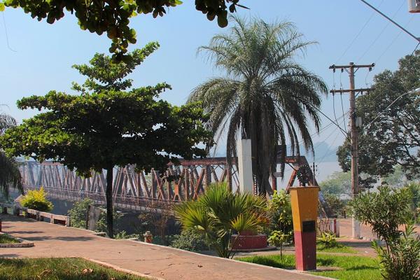 Ponte Marechal Hermes. Buritizeiro, MG. Imagem: Janaína Calaça