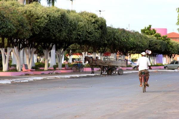 Praça de Santana, Ponto Chique, MG. Imagem: Janaína Calaça