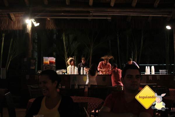 Bar funciona à noite, para dar suporte aos shows. Imagem: Erik Pzado