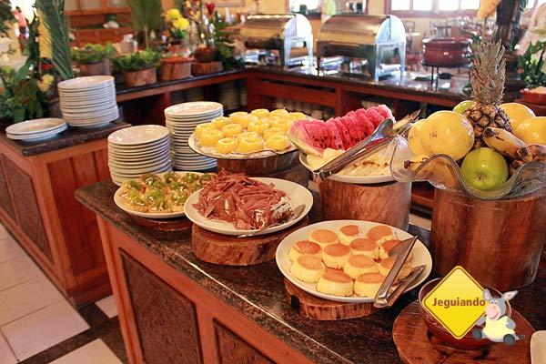 Buffet. Canto da Floresta Eco Resort, Amparo, SP. Imagem: Janaína Calaça