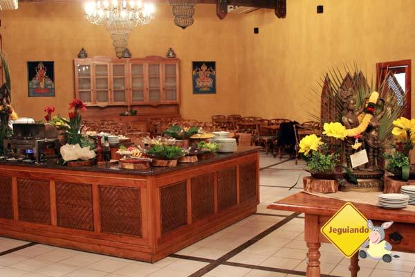 Buffet. Canto da Floresta Eco Resort, Amparo, SP. Imagem: Erik Pzado