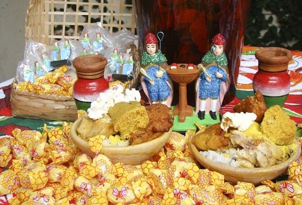 Mesa de Cosme e Damião. Imagem: http://www.bahianoticias.com.br/fotos/editor/Image/cosme_e_damiao.jpg