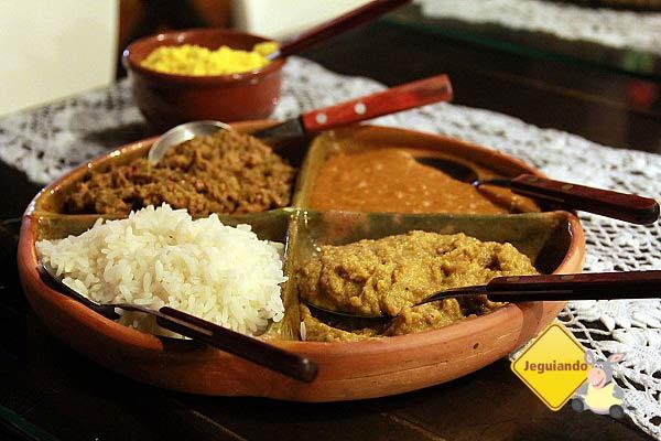 Caruru, vatapá, arroz, pirão, farofa. Imagem: Erik Pzado