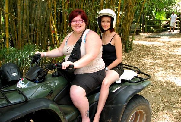 Jana Calaça e Lorena Grisi - #ruivasadventure na Península de Maraú. Imagem: Jeguiando