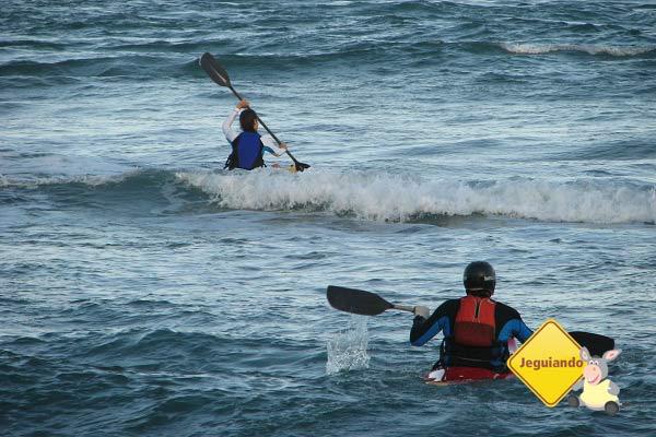 Kayaksurf na Praia de Taipu de Fora. Imagem: Janaína Calaça