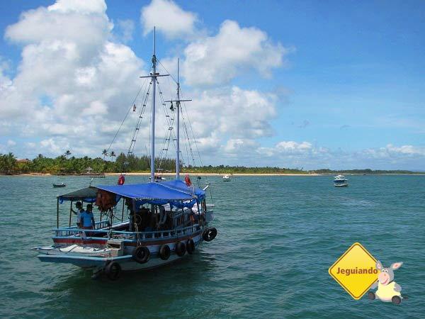 Embarcação que nos levou para o passeio das Ilhas chegando em  Barra Grande. Imagem: Janaína Calaça
